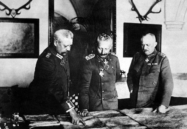 Hindenburg,_Kaiser,_Ludendorff