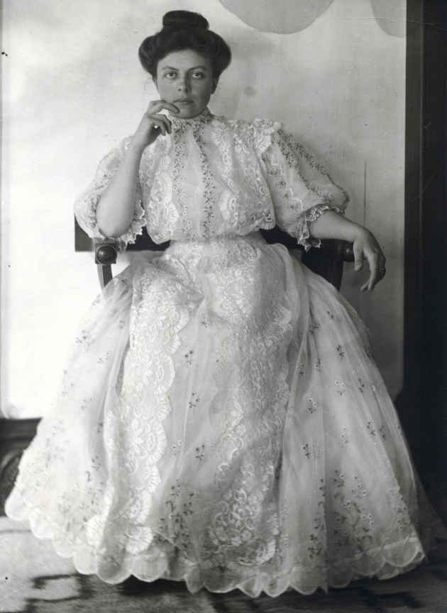 1907 edith on wedding day_hi res