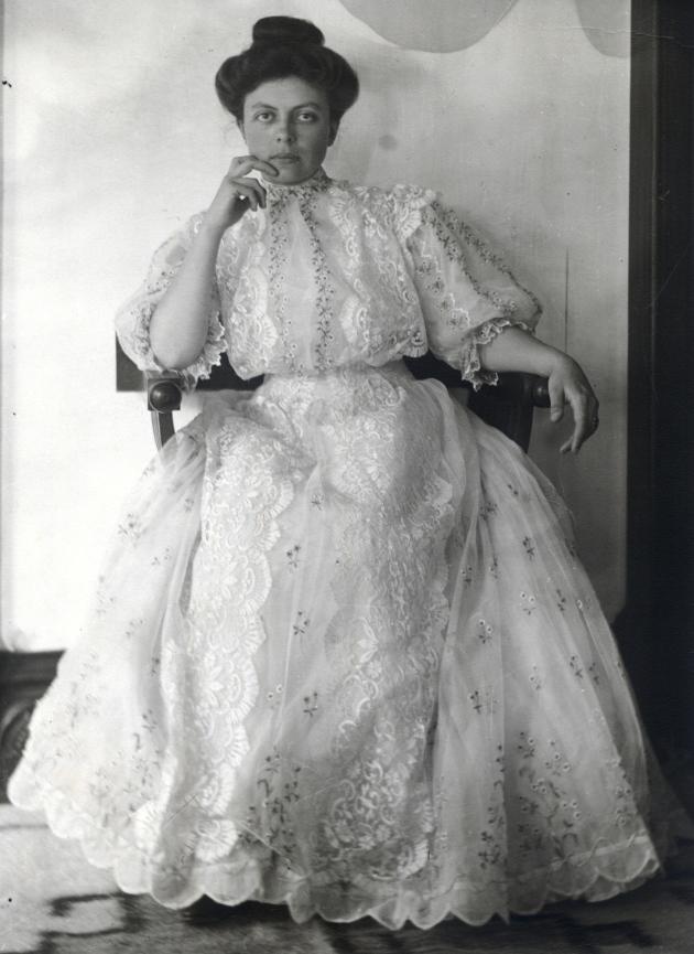 1907 edith on wedding day_hi res