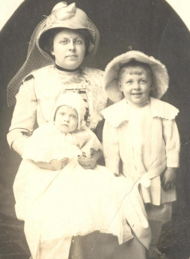 1910 Edith Charles Bill