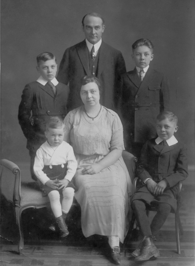 weeks FAMILY 1921