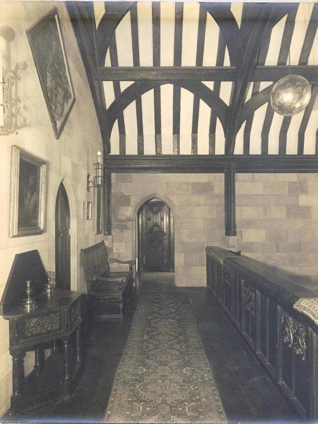 Balcony hall