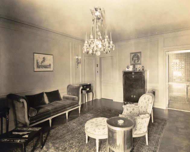 Edith dressing room
